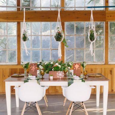 trouwerij-moscow-mule-hangplant-hangingbasket-aangeklede-tafel-plantenverhuur-plantscapes-interieurbeplanting-event-styling-